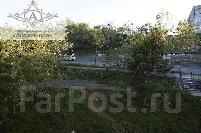 2-комнатная, улица Сабанеева 16в. Баляева, агентство, 59 кв.м. Вид из окна днём
