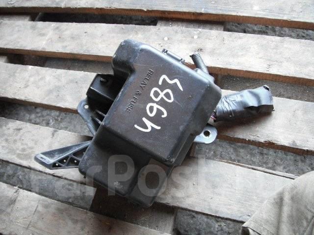 Блок предохранителей. Toyota Isis, ANM15G Двигатель 1AZFSE