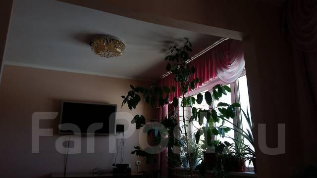 3-комнатная, улица Виталия Кручины 2/1. Севро-Восток, частное лицо, 75 кв.м.