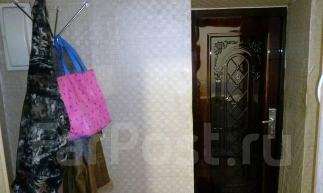 2-комнатная, ул.Калинина 1. п.Углекаменск, агентство, 42 кв.м. Прихожая
