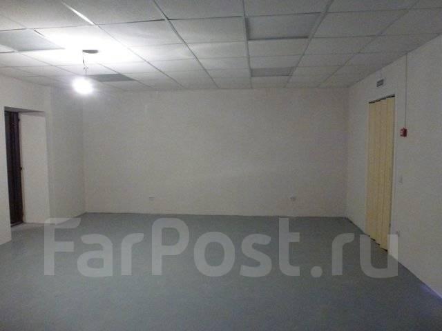 Сдается помещение на Комарова 27. Улица Прапорщика Комарова 27, р-н Центр, 120 кв.м., цена указана за квадратный метр в месяц. Интерьер
