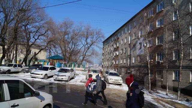 Гостинка, улица Нахимова 1. Столетие, частное лицо, 25 кв.м.