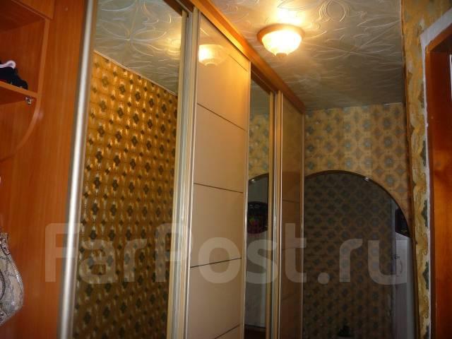3-комнатная, улица Ватутина 2. 64, 71 микрорайоны, проверенное агентство, 67 кв.м. Прихожая