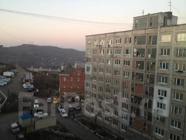 Гостинка, проспект Красного Знамени 133/3. Третья рабочая, проверенное агентство, 17 кв.м. Вид из окна днём
