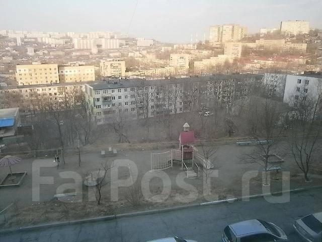 3-комнатная, улица Связи 5. Трудовая, проверенное агентство, 67 кв.м. Вид из окна днём