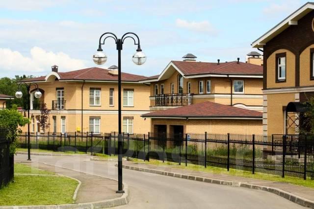 Продается участок 84,4 соток в поселке бизнес класса Vita Verde. 8 440 кв.м., собственность, электричество, вода, от агентства недвижимости (посредни...