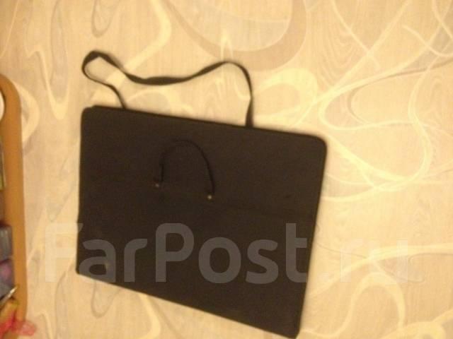 Продам комплектом 2 больших планшета 55*75 и сумку для них. Б/у