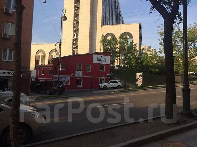 Центр первая линия высокий трафик идеально под торговлю или общепит. 160 кв.м., переулок Краснознаменный 4, р-н Центр. Дом снаружи