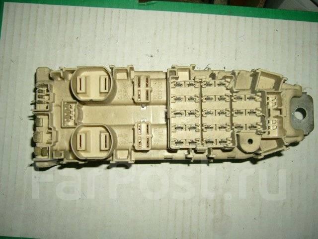 Блок предохранителей салона. Toyota Carina, AT175, ST170, CT170, AT170, AT171 Двигатели: 4AFHE, 2C, 5AFE, 4AFE, 5AF, 4SFI, 4SFE