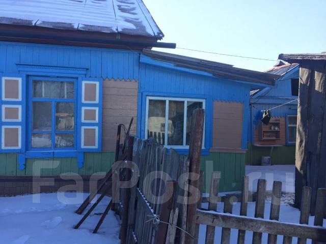 Продам дом с участком. Ул. Лазо, р-н пгтСибирцево, площадь дома 50 кв.м., скважина, электричество 15 кВт, отопление твердотопливное, от частного лица...