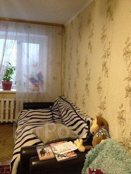 1-комнатная, улица Малиновского 2. Бархатная, агентство, 30 кв.м.
