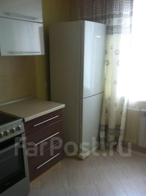 2-комнатная, улица Тобольская 11. Третья рабочая, частное лицо, 92 кв.м. Кухня