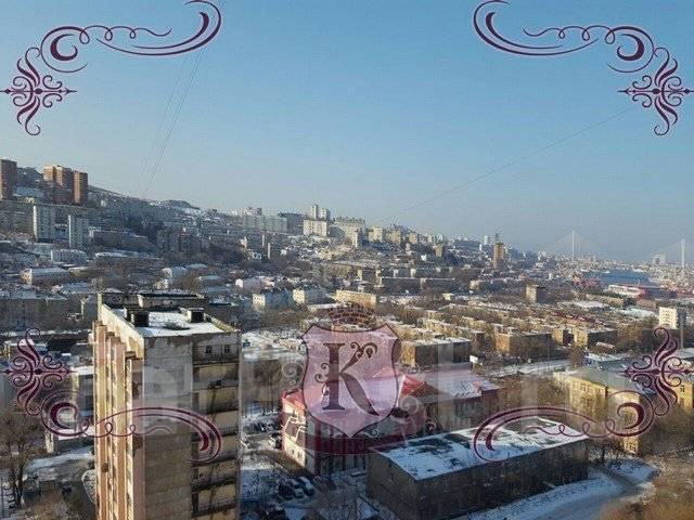 3-комнатная, улица Ватутина 4а. 64, 71 микрорайоны, агентство, 62 кв.м. Вид из окна днем