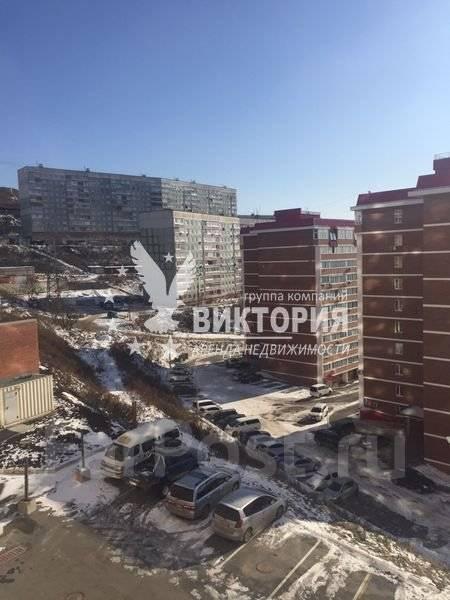 3-комнатная, улица Черняховского 9. 64, 71 микрорайоны, агентство, 80 кв.м. Вид из окна днем
