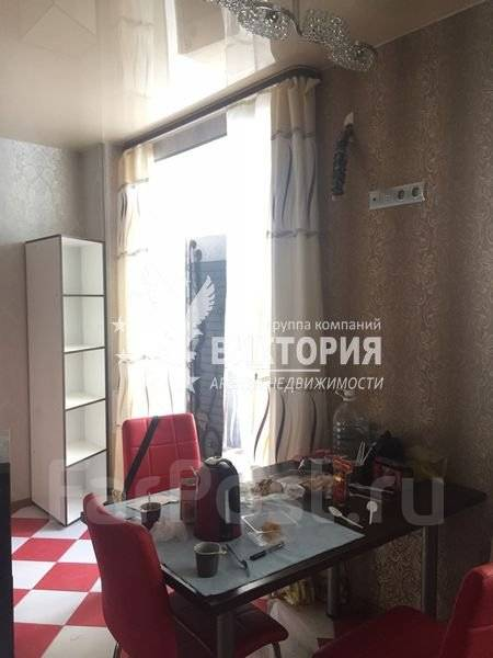 3-комнатная, улица Черняховского 9. 64, 71 микрорайоны, агентство, 80 кв.м. Кухня