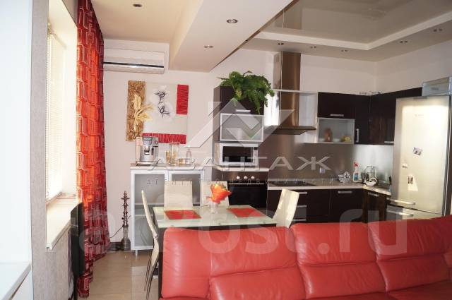 3-комнатная, улица Полетаева 6б. Седанка, агентство, 72 кв.м. Кухня