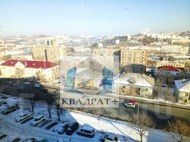 Гостинка, улица Окатовая 16. Чуркин, агентство, 24 кв.м. Вид из окна днем