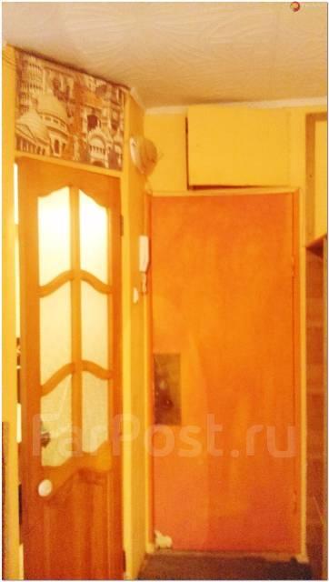 2-комнатная, улица Кирова 26. Вторая речка, проверенное агентство, 44 кв.м. Прихожая