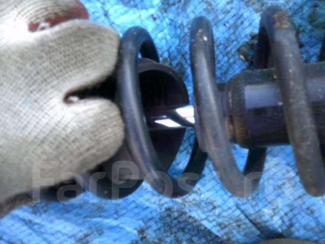 Амортизатор. Toyota Funcargo, NCP25 Двигатель 1NZFE