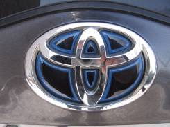 Эмблема решетки. Toyota Prius