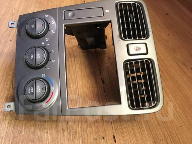 Блок управления климат-контролем. Subaru Forester, SG5, SG9, SG9L