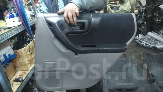 Обшивка двери. Subaru Forester, SF5