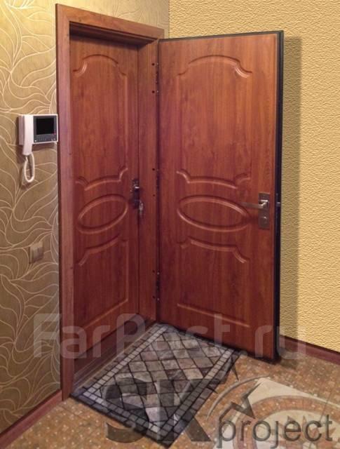 Установка входных дверей.
