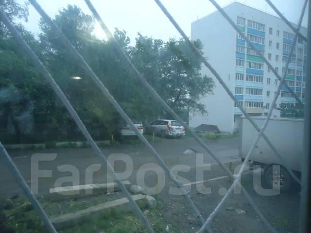 Гостинка, улица Зои Космодемьянской 31. Чуркин, частное лицо, 23 кв.м. Вид из окна днём