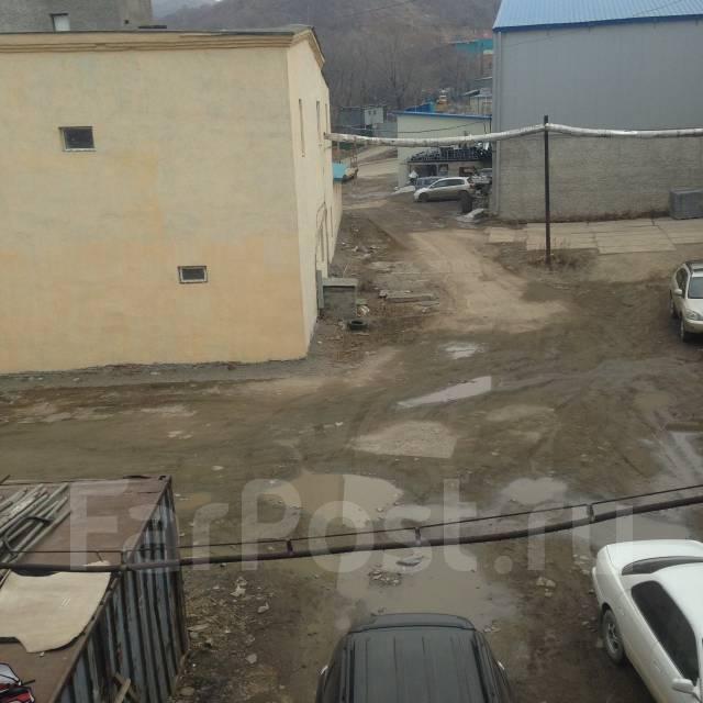 Продам двухэтажное здание. Улица Вострецова 36а, р-н Столетие, 272 кв.м. Вид из окна