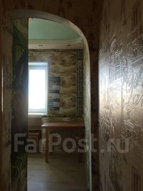 2-комнатная, улица Башидзе 10. Первая речка, агентство, 43 кв.м. Прихожая