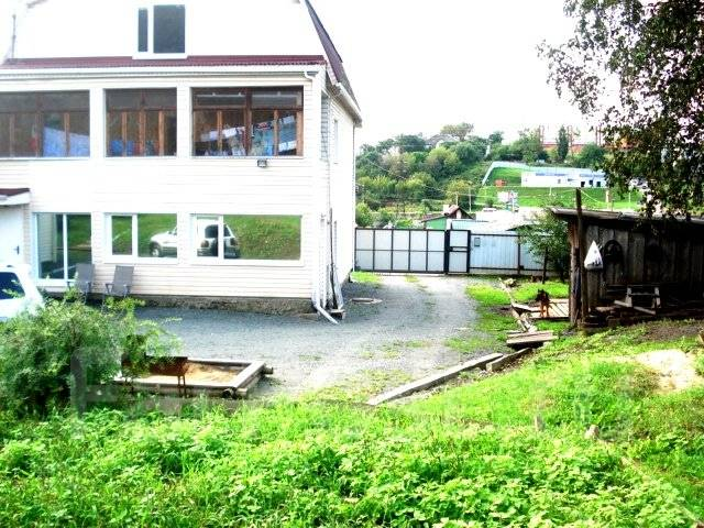 Продам хороший дом в черте города по ул. Макаренко. Макаренко, р-н Бриза, площадь дома 215 кв.м., централизованный водопровод, электричество 30 кВт...