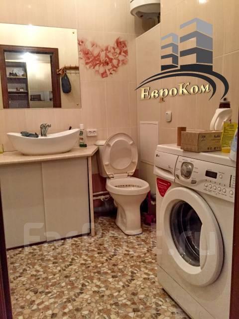 1-комнатная, улица Черняховского 9. 64, 71 микрорайоны, агентство, 50 кв.м. Сан. узел