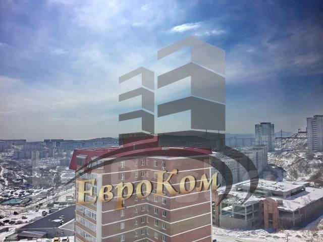 1-комнатная, улица Черняховского 9. 64, 71 микрорайоны, агентство, 50 кв.м. Вид из окна днем