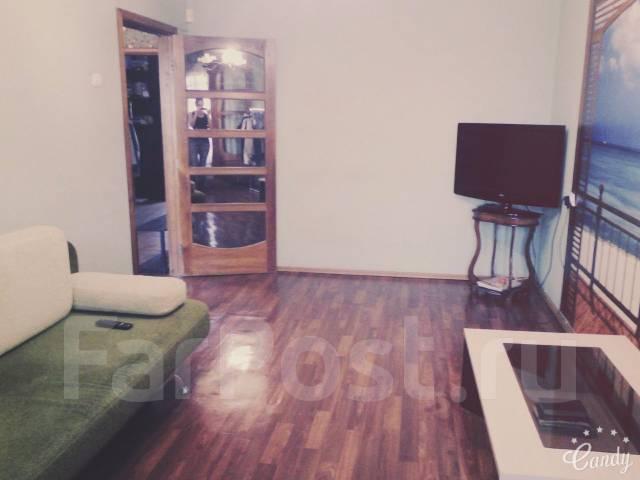 3-комнатная, улица Мухина 11. Центральный, частное лицо, 65 кв.м.