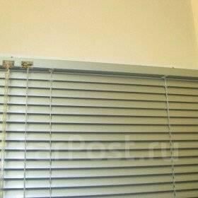 Жалюзи на кухонное окно 2 створки (2600 рублей) с установкой.
