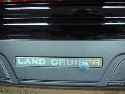 Накладка на бампер. Toyota Land Cruiser, URJ200, UZJ200, VDJ200, GRJ200, J200, UZJ200W, GRJ76K, URJ202W, URJ202, GRJ79K Двигатели: 3URFE, 2UZFE, 1VDFT...