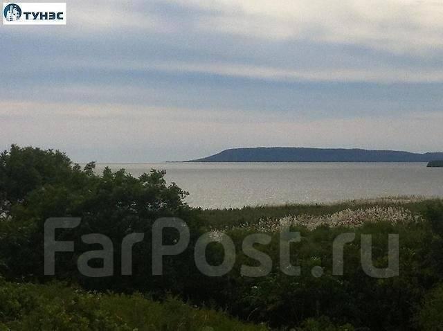 Продается земельный участок с видом на море в п. Тавричанка. 1 500 кв.м., собственность, электричество, от агентства недвижимости (посредник)