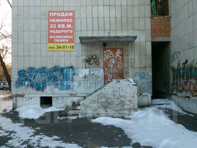 Помещение свободного назначения на 1-м этаже с отдельным крыльцом. Улица Кирова 51, р-н Центральный, 22 кв.м.