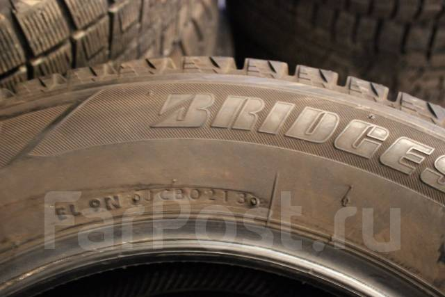 Bridgestone Blizzak Revo2. Зимние, без шипов, 2013 год, износ: 10%, 4 шт