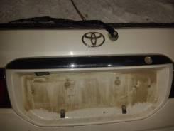 Накладка на дверь багажника. Toyota Ipsum, SXM15 Двигатель 3SFE