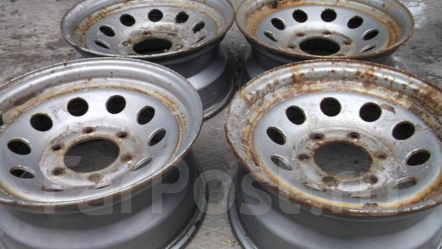 Nissan. 7.0x15, 6x139.70, ET10, ЦО 100,0мм.