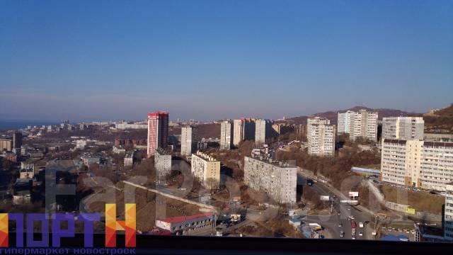 2-комнатная, проспект Красного Знамени 114б. Третья рабочая, проверенное агентство, 76 кв.м. Вид из окна днём