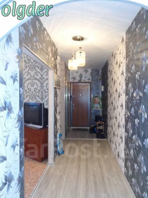 3-комнатная, улица Анны Щетининой 20. Снеговая падь, проверенное агентство, 68 кв.м. Прихожая