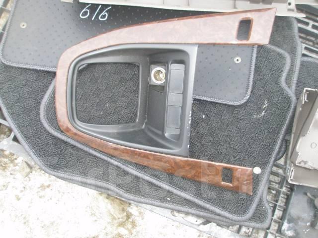Консоль центральная. Toyota Harrier, MCU15 Двигатель 1MZFE
