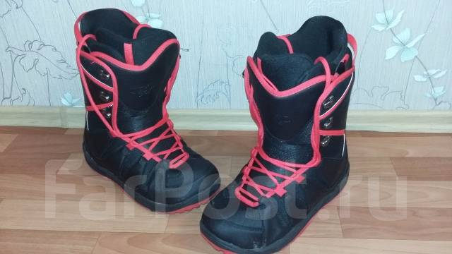 Ботинки для сноуборда. 44