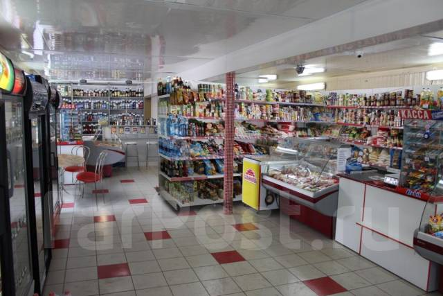 Отдельностоящий продуктовый магазин в собственност