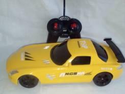 Радиоуправляемые гоночные машинки.