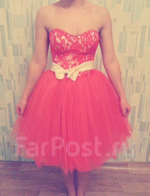Платья.