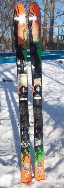 Лыжи горные.
