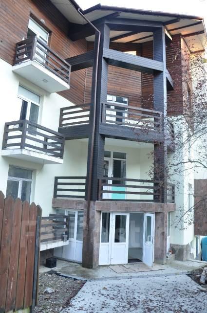 2-комнатная, улица Турчинского 50. Красная Поляна, 58 кв.м.